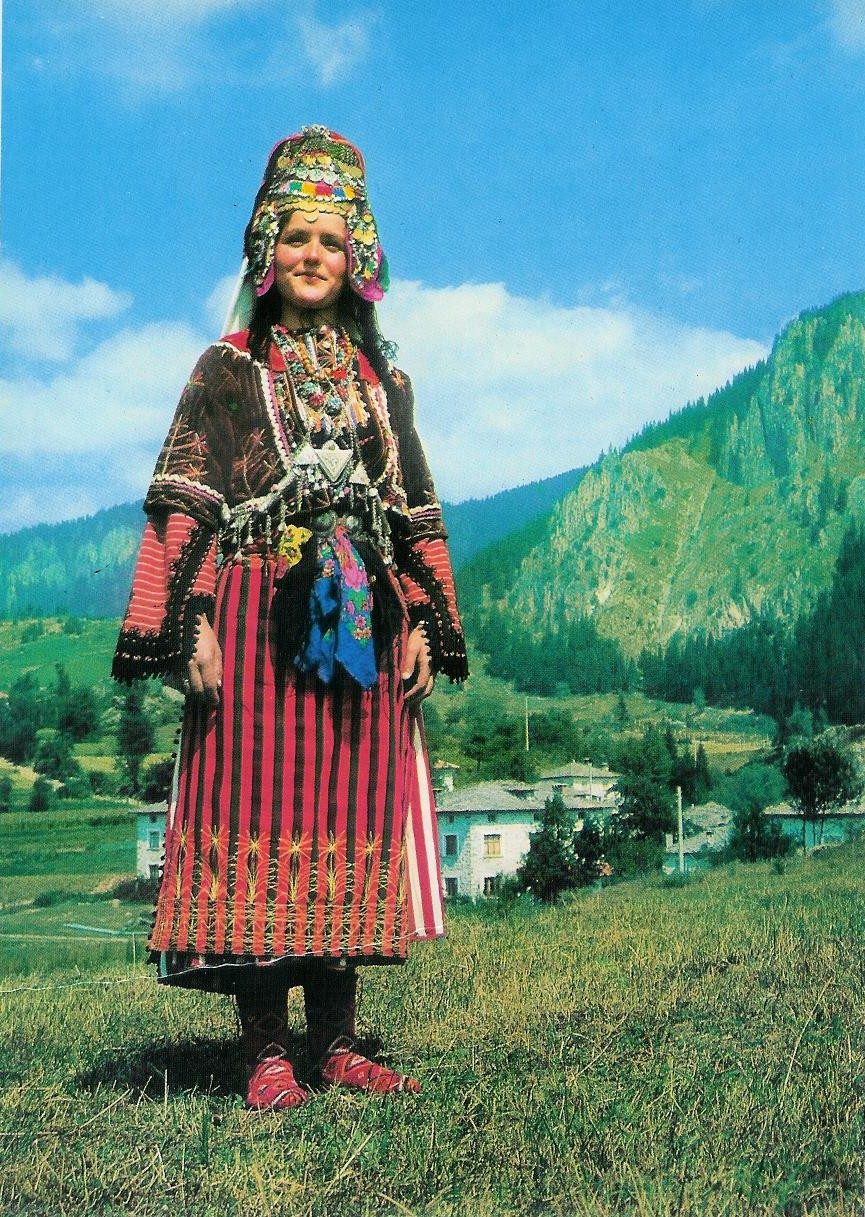 Traditional bulgarian costumes for Traditional photos